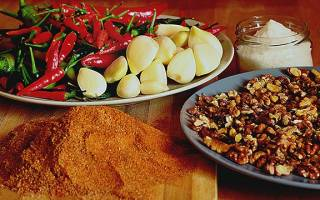 Рецепт аджики с орехами